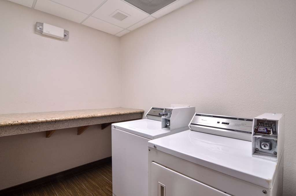 Best Western Dayton Inn & Suites - Our guest laundry available for our guests.