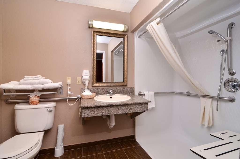 Best Western Dayton Inn & Suites - Our mobility accessible bathroom features plenty of space to unpack all your necessities.