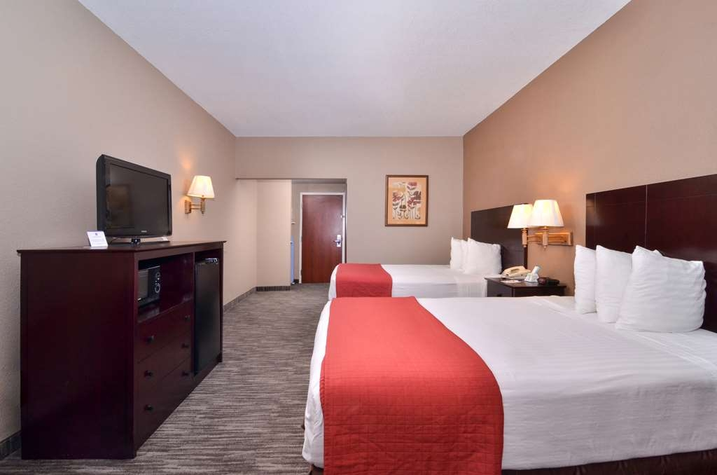 Best Western Dayton Inn & Suites - Have the perfect family trip in Dayton, TX and stay in our two queen guest room.