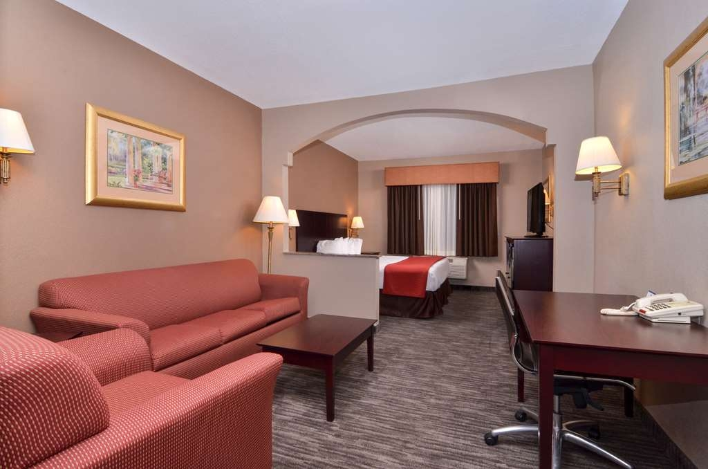 Best Western Dayton Inn & Suites - Use the sofabed in our king suite for extra sleeping space without the cost of an additional room.