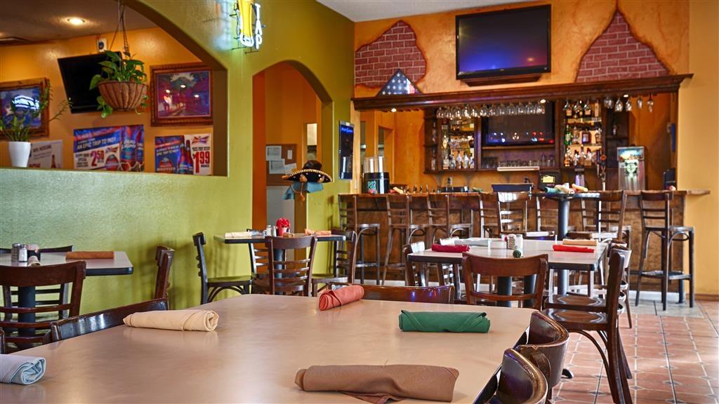 Best Western Taylor Inn - Restaurant in der Anlage