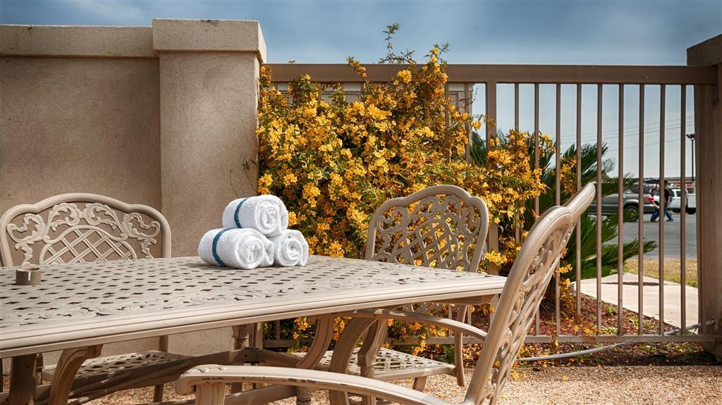 Best Western Taylor Inn - Espace piscine