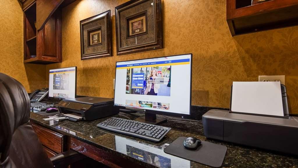 Best Western Plus Crown Colony Inn & Suites - Business Center