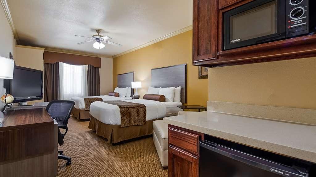 Best Western Plus Crown Colony Inn & Suites - Two Queen Suite