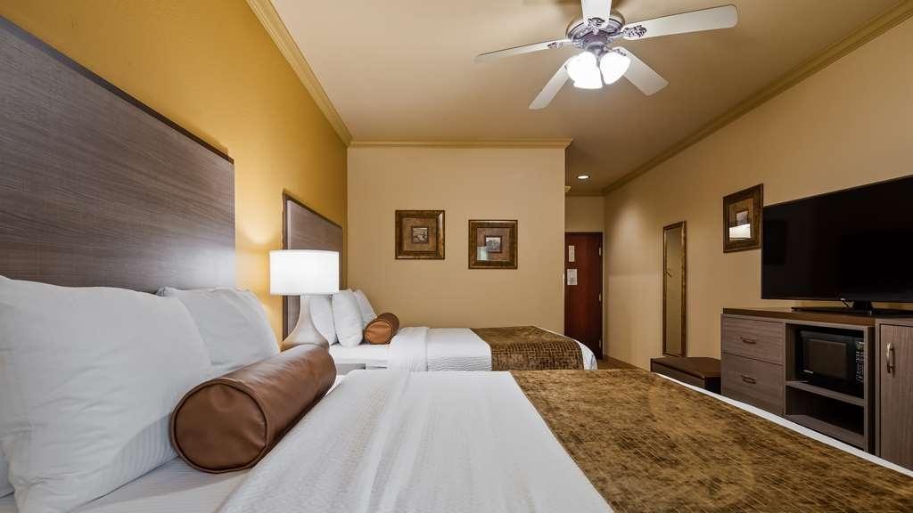 Best Western Plus Crown Colony Inn & Suites - Standard Two Queen Room