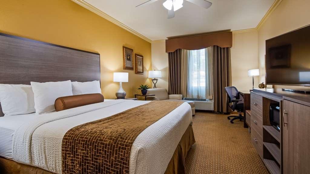 Best Western Plus Crown Colony Inn & Suites - King Guest Room
