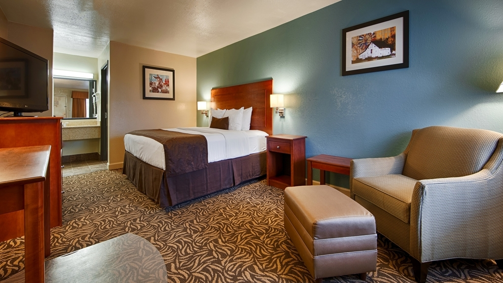 Best Western Regency Inn & Suites - Chambres / Logements