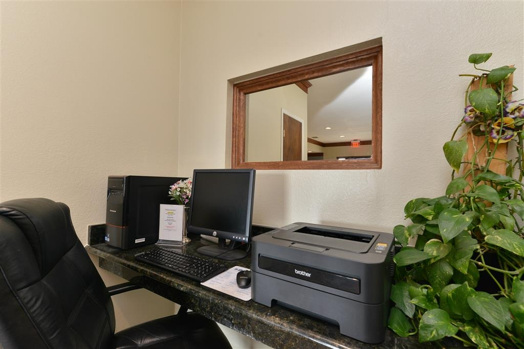 Best Western Regency Inn & Suites - Business Center