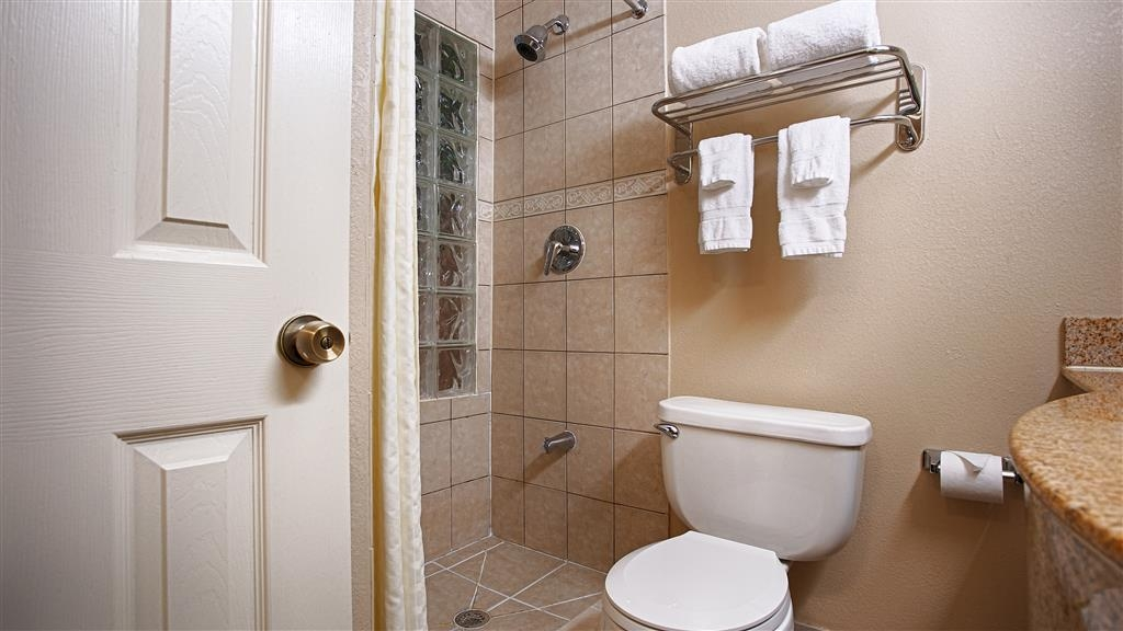 Best Western Cityplace Inn - All guest bathrooms have a large vanity with plenty of room to unpack the necessities.