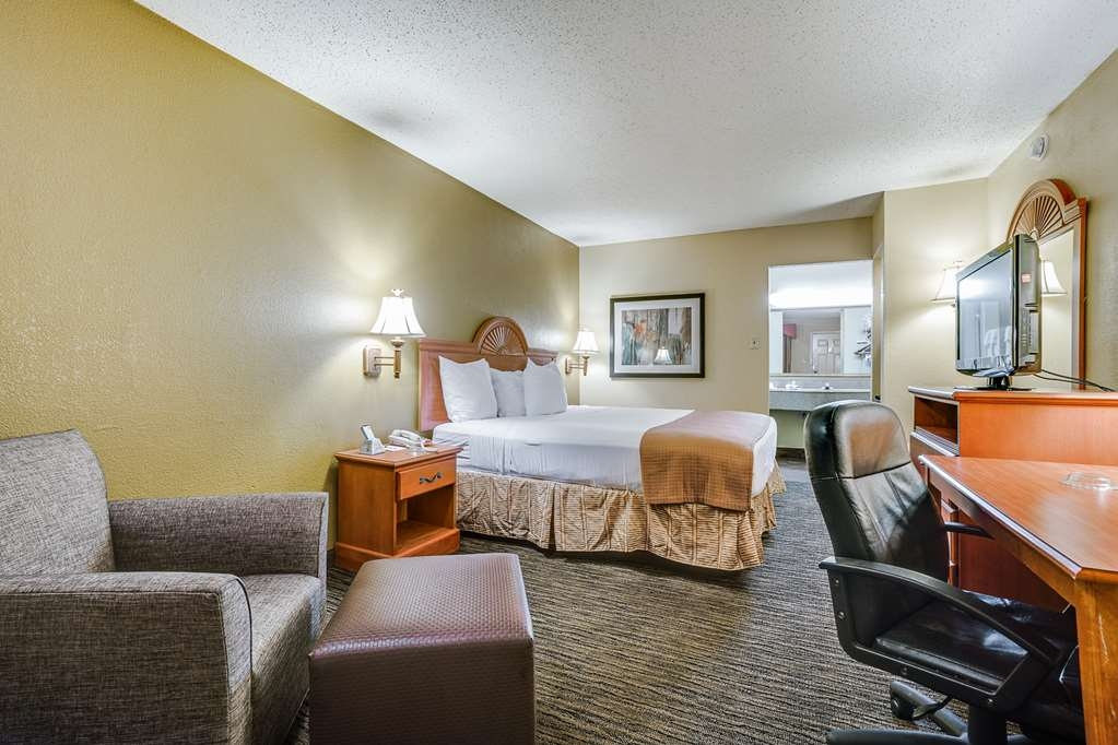 Best Western Cityplace Inn - Here for business? Make a reservation in our king room!