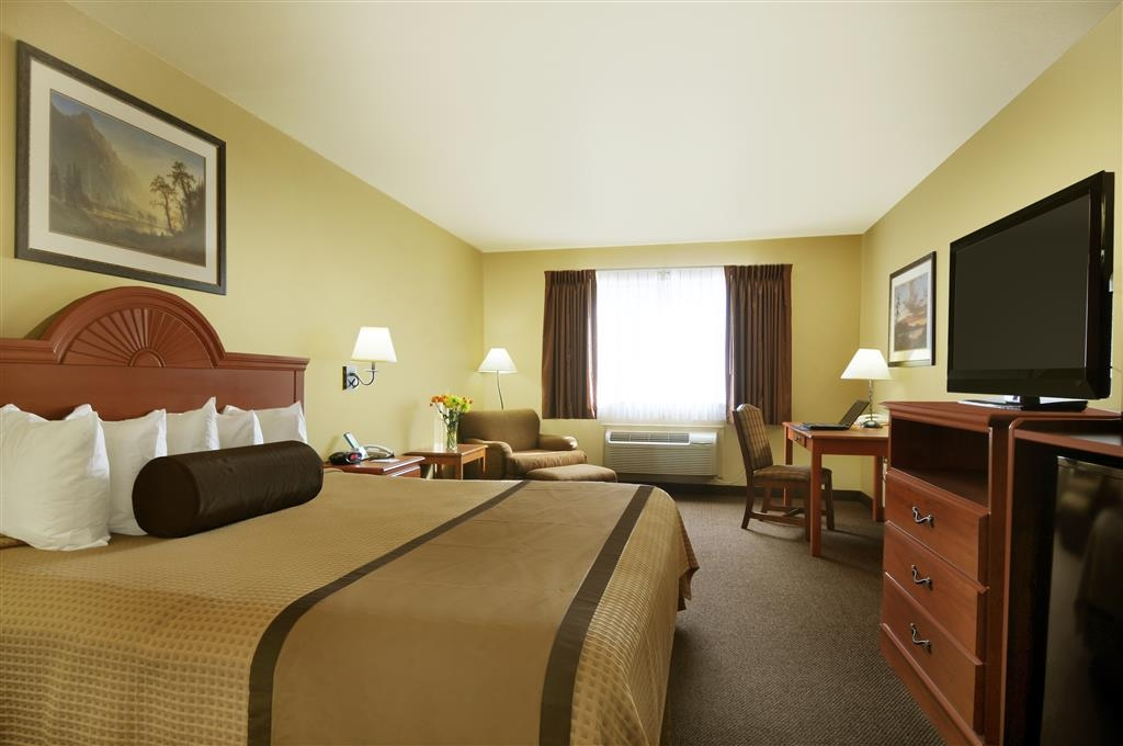 Best Western Plus Graham Inn - Your comfort is our first priority. In our King, you will find that and much more