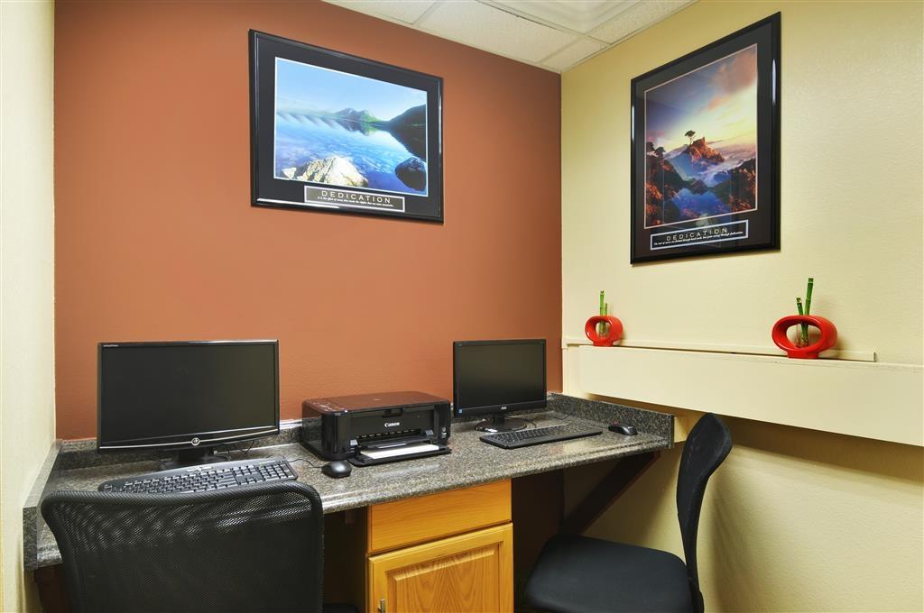 Best Western Plus Graham Inn - In unserem Business Center stehen Ihnen ein kostenloser High-Speed-Internetzugang sowie die Drucker zur Verfügung.