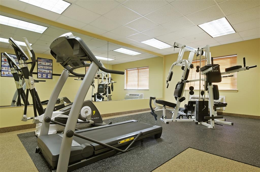 Best Western Plus Graham Inn - Maintain your home exercise routine in our fully equipped fitness center.