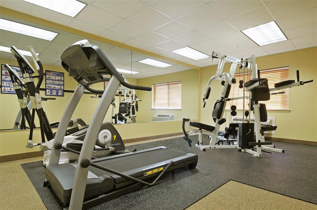 Best Western Plus Graham Inn - In unserem voll ausgestatteten Fitnessstudio können Sie Ihr Trainingsprogramm auch auf Reisen aufrechterhalten.