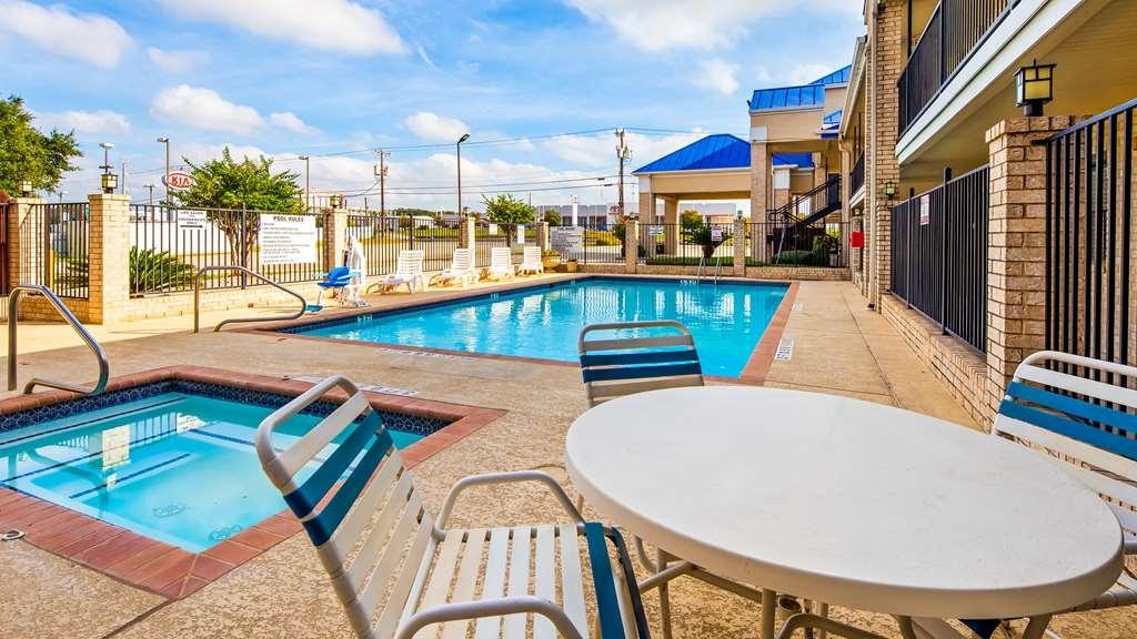 Best Western Garden Inn - Vista de la piscina