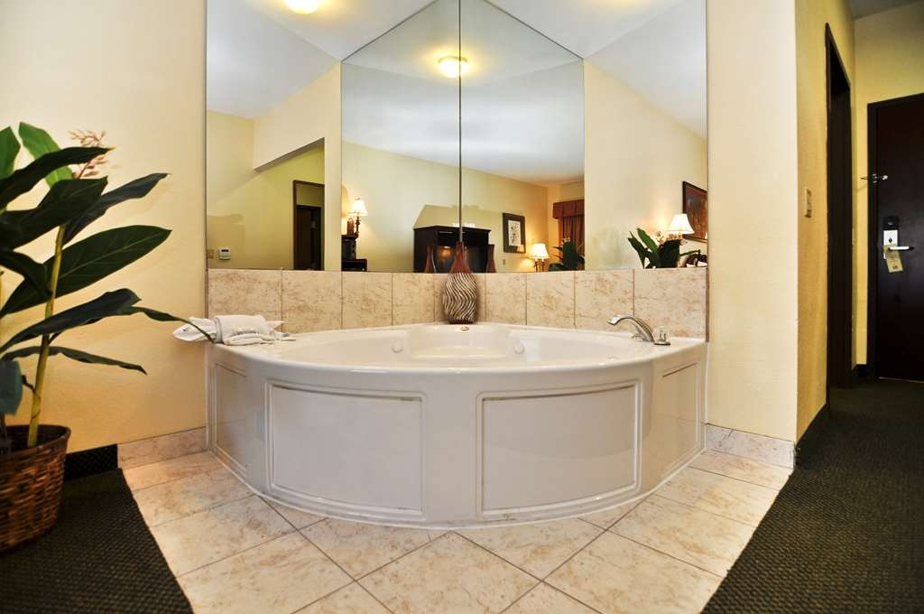 Best Western Plus Sam Houston Inn & Suites - Habitaciones/Alojamientos