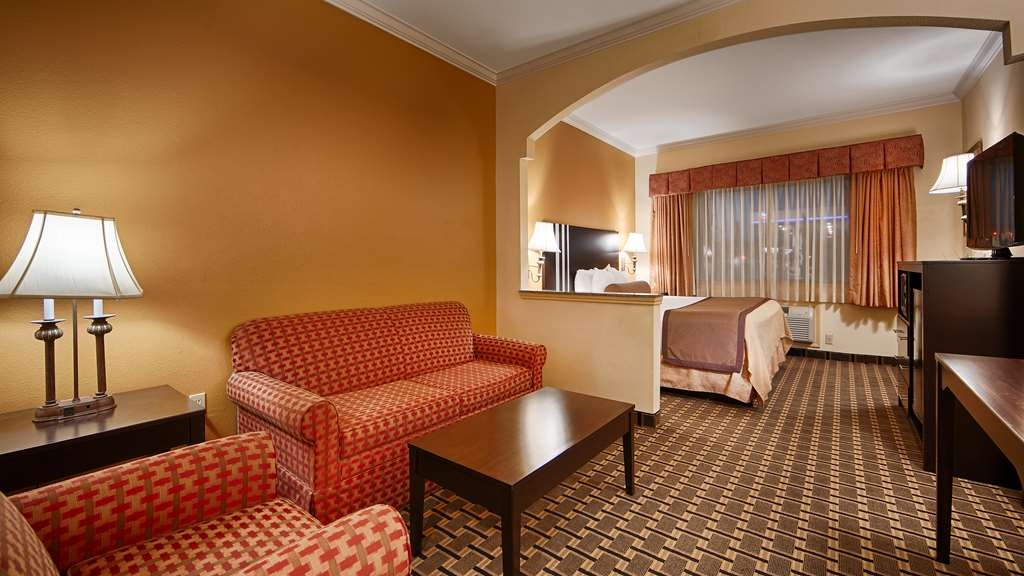 Best Western Plus Sam Houston Inn & Suites - Designed for corporate and leisure traveler alike, make a reservation in this king suite.