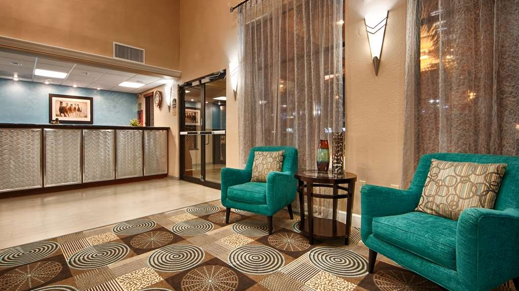 Best Western Plus Sam Houston Inn & Suites - We strive to exceed your every expectation starting from the moment you walk into our lobby.