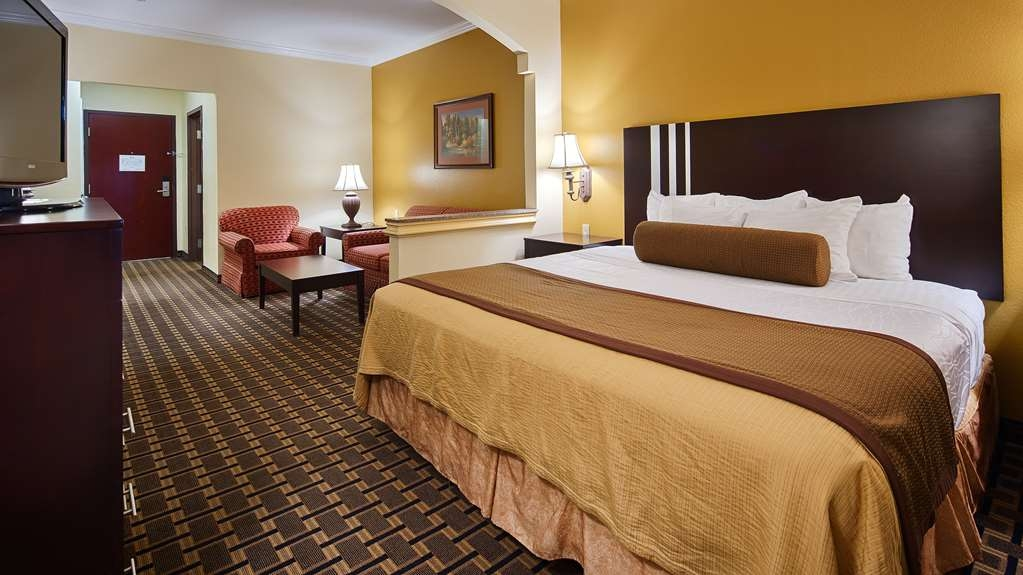 Best Western Plus Sam Houston Inn & Suites - We have a variety of king suites from standard to mobility accessible.