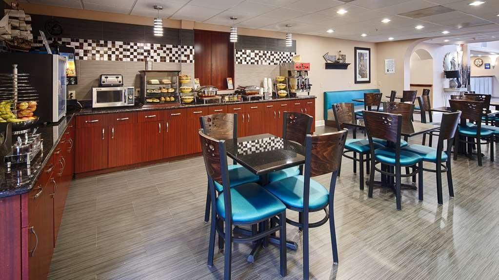 Best Western Plus Sam Houston Inn & Suites - Prima colazione a buffet