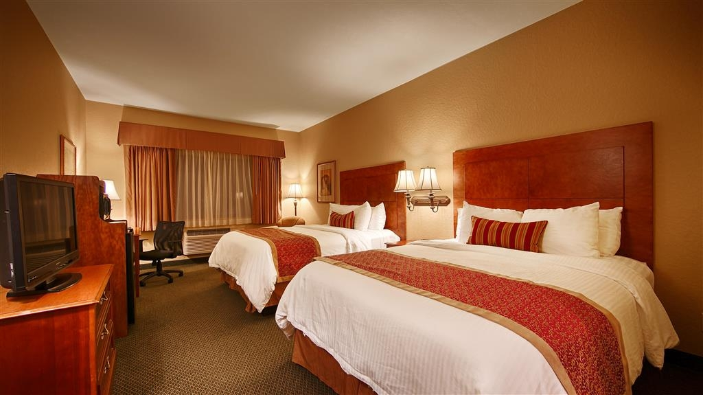Best Western Plus Victoria Inn & Suites - Indulge yourself in our warm, welcoming and inviting Two Queen Guest Room.