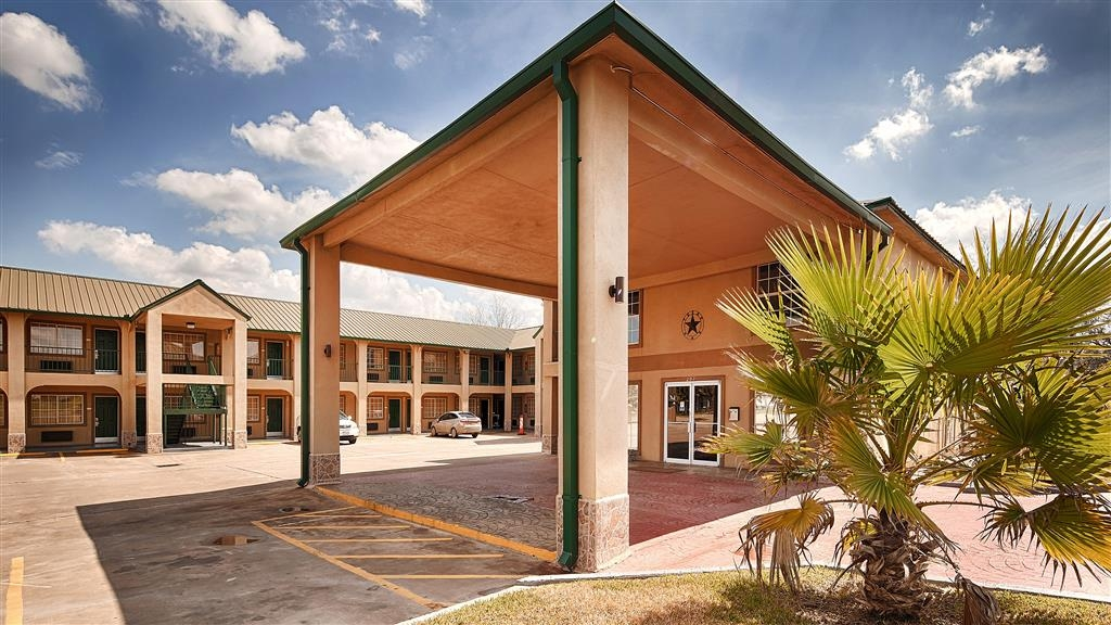 Best Western Executive Inn - Entrada del hotel