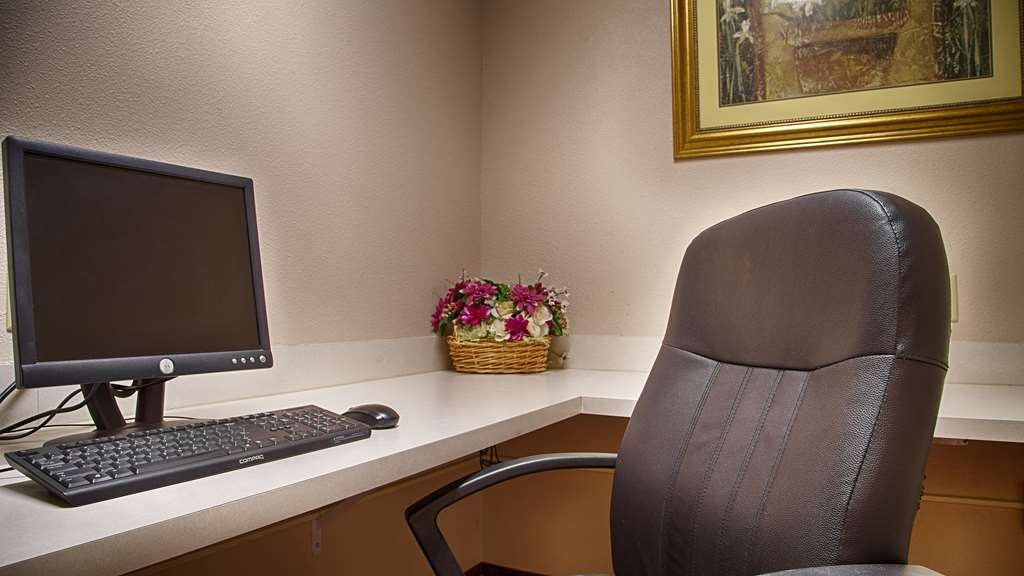 Best Western Palo Duro Canyon Inn & Suites - Business Center