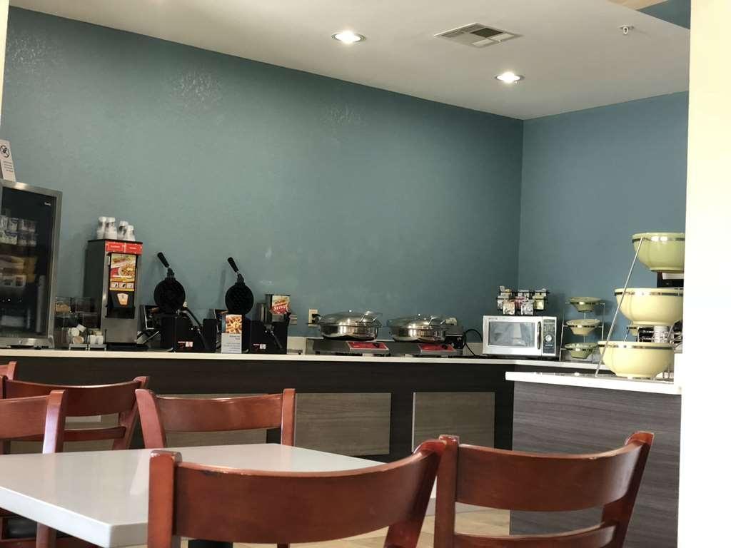 Best Western Palo Duro Canyon Inn & Suites - Breakfast Area