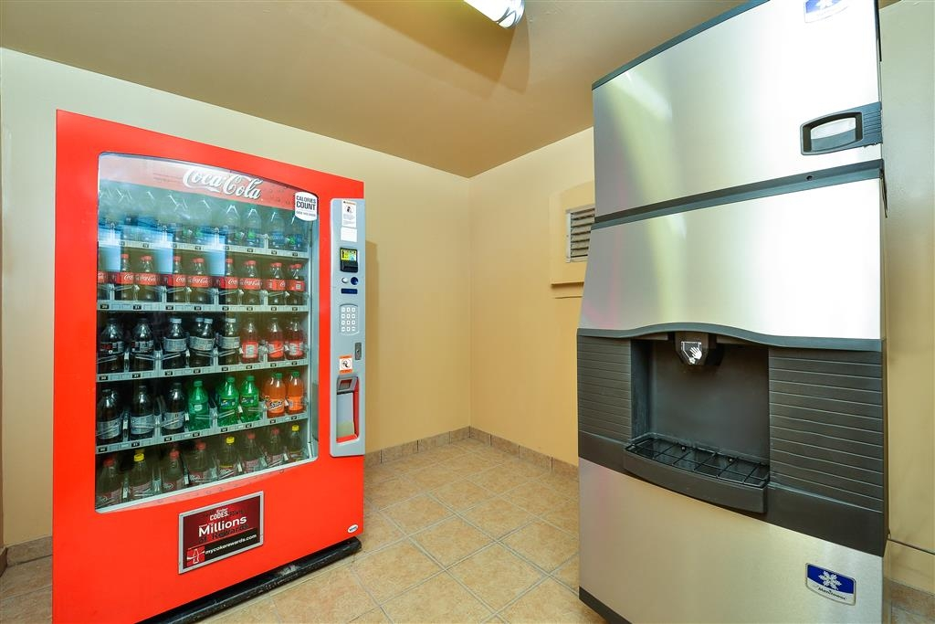 Best Western Windwood Inn & Suites - Vending Room