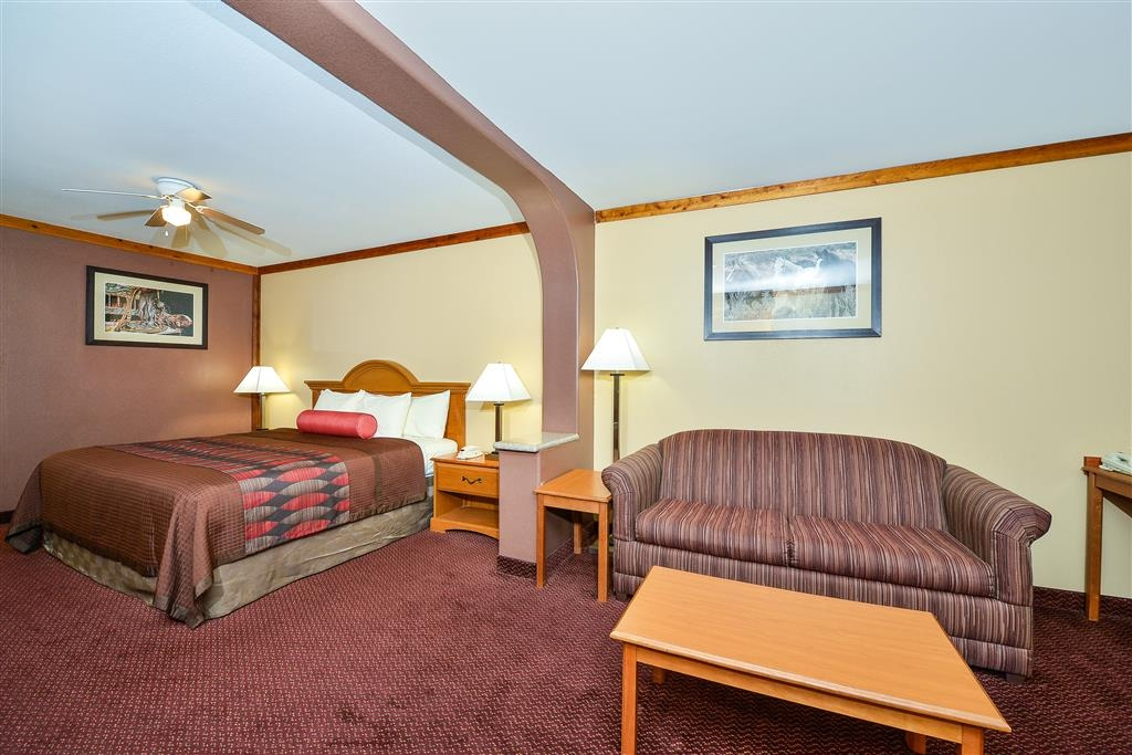 Best Western Windwood Inn & Suites - King Suite