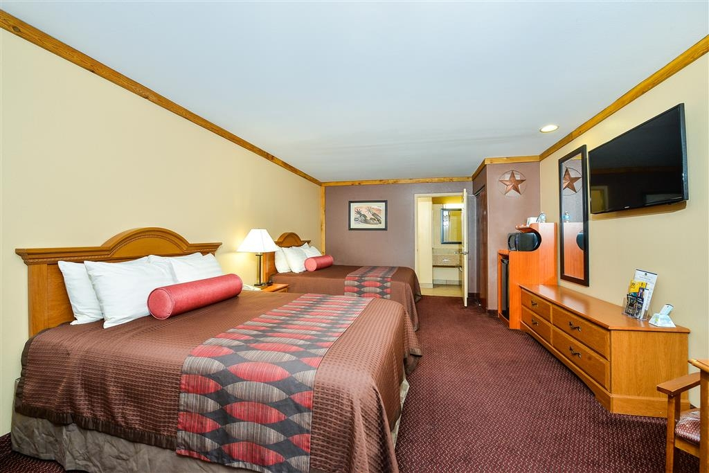 Best Western Windwood Inn & Suites - Two Queen Beds