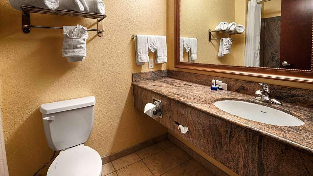 Best Western Mainland Inn & Suites - Bath