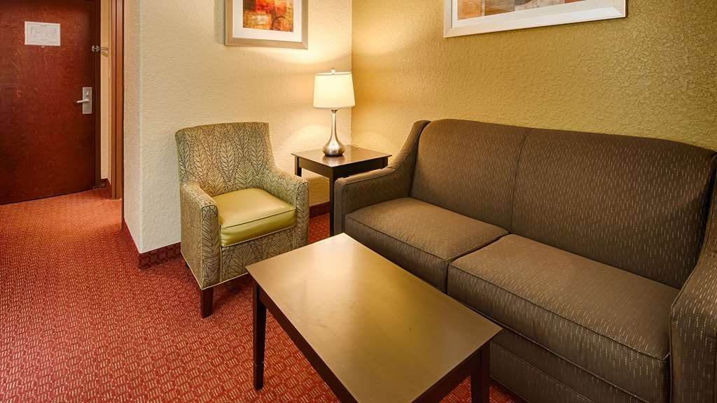 Best Western Mainland Inn & Suites - Suite