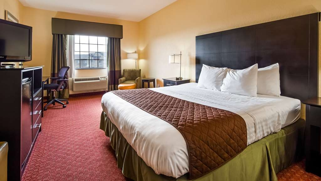 Best Western Mainland Inn & Suites - Guest room