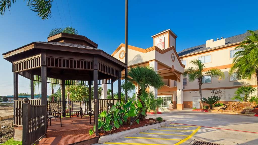 Best Western Plus Houston Atascocita Inn & Suites - Außenansicht