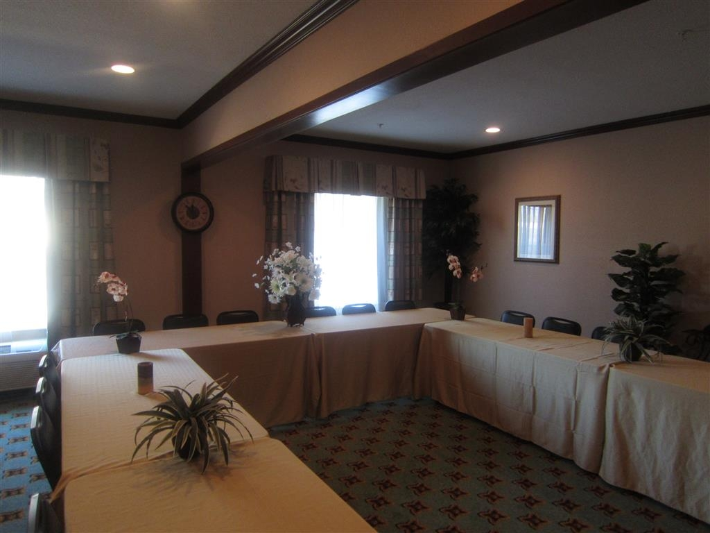 Best Western Granbury Inn & Suites - Our meeting rooms are the ideal setting for corporate events. Call our staff to book today!