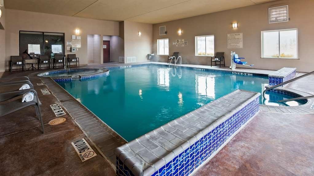 Best Western Granbury Inn & Suites - Piscina