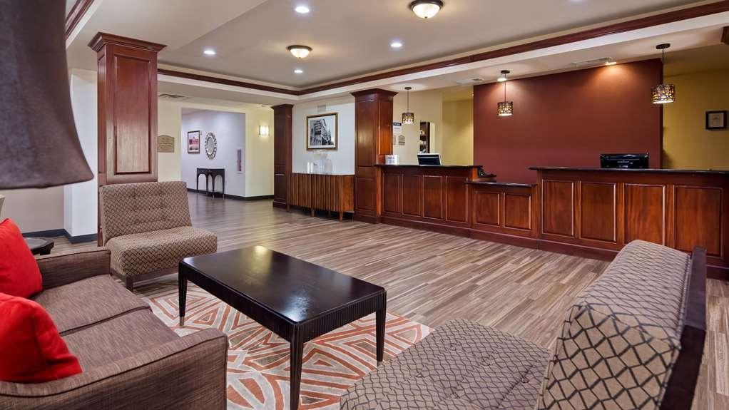 Best Western Granbury Inn & Suites - Hall