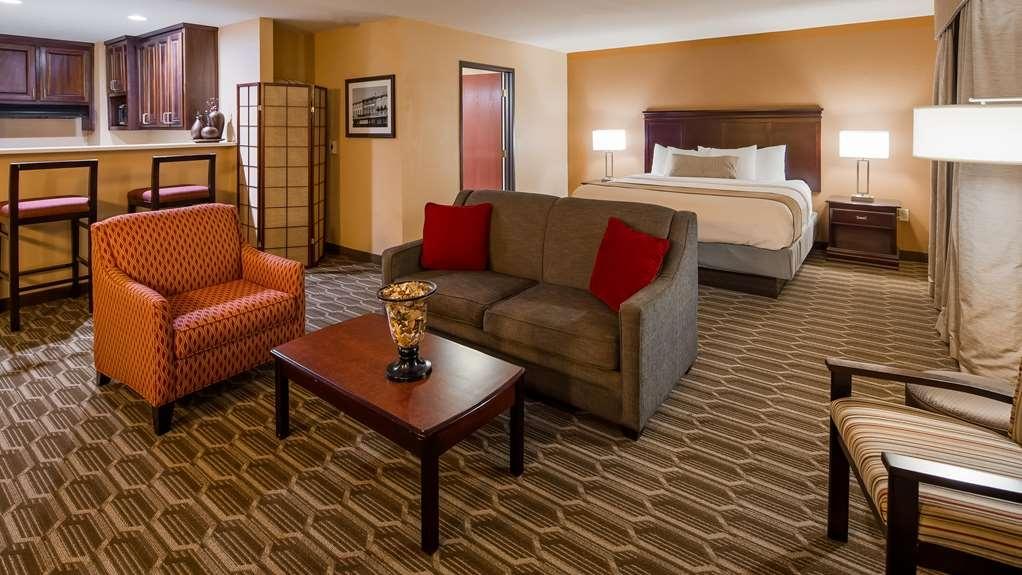 Best Western Granbury Inn & Suites - Suite