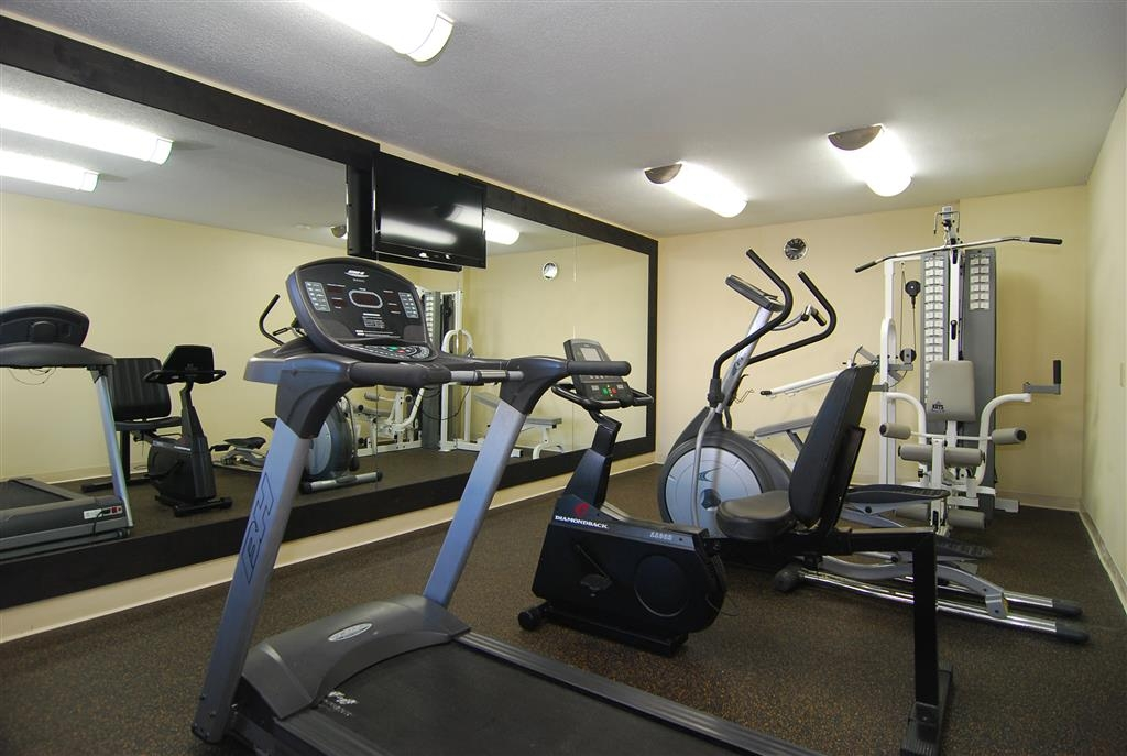 Best Western Lindale Inn - Our fitness center includes a treadmill, bicycle, elliptical machine and two stack strength station to help you stay fit while on the road.