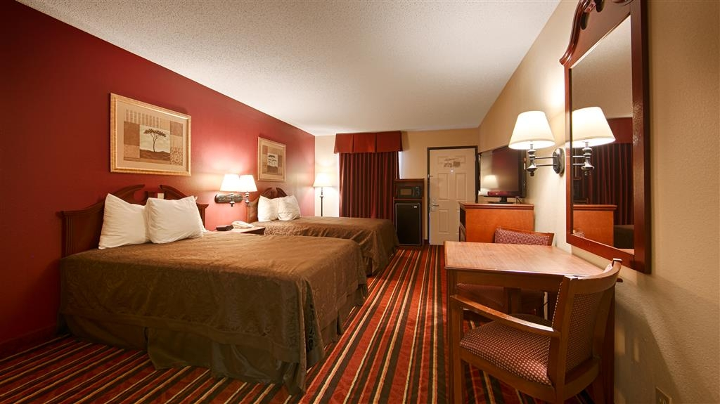 Best Western Lindale Inn - Touring the city with a close friend? Book our convenient guest room with two full size beds.