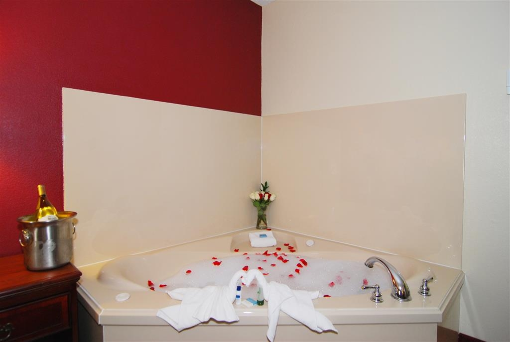 Best Western Lindale Inn - Book our whirlpool guest room and relax the night away in our in-room bedside whirlpool spa.