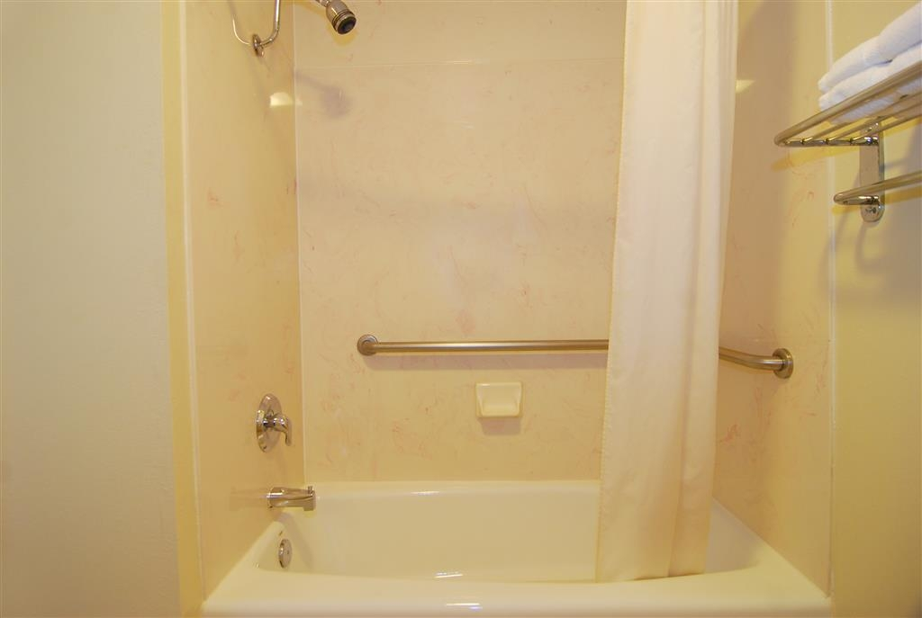 Best Western Lindale Inn - All guest bathrooms have a large vanity with plenty of room to unpack the necessities.