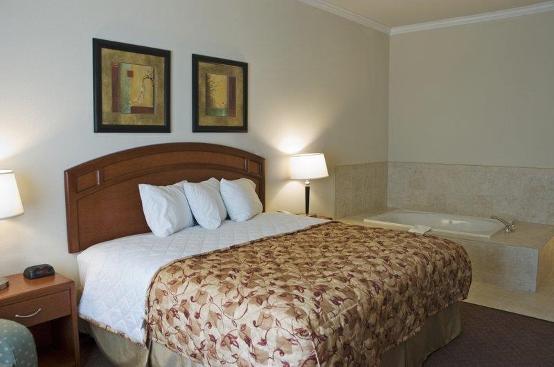 Best Western Cleveland Inn & Suites - Suite con piscina de hidromasaje
