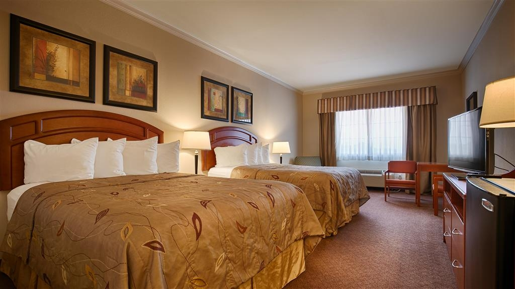Best Western Cleveland Inn & Suites - Guest room