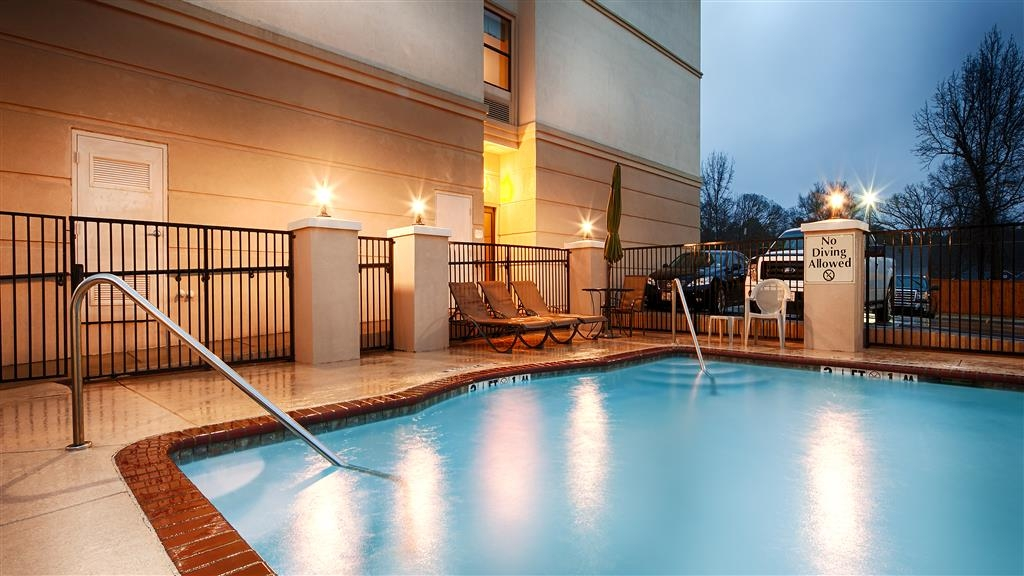 Best Western Longview - Outdoor Swimming Pool