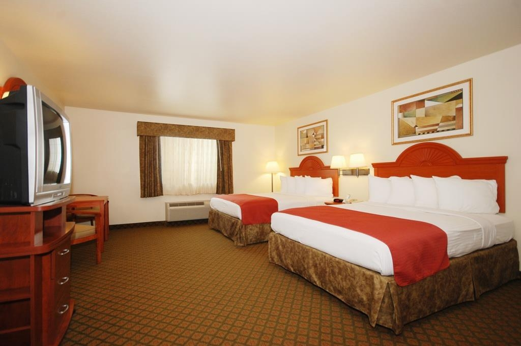 Best Western Henrietta Inn & Suites - Have the perfect family trip in Henrietta, TX and stay in our two queen guest room.