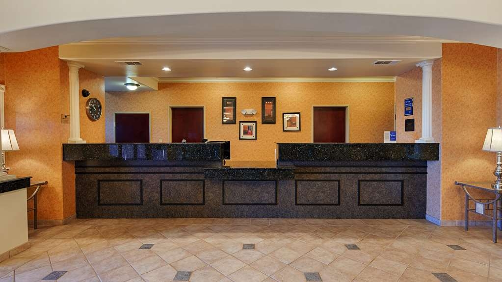 Best Western Henrietta Inn & Suites - Hall