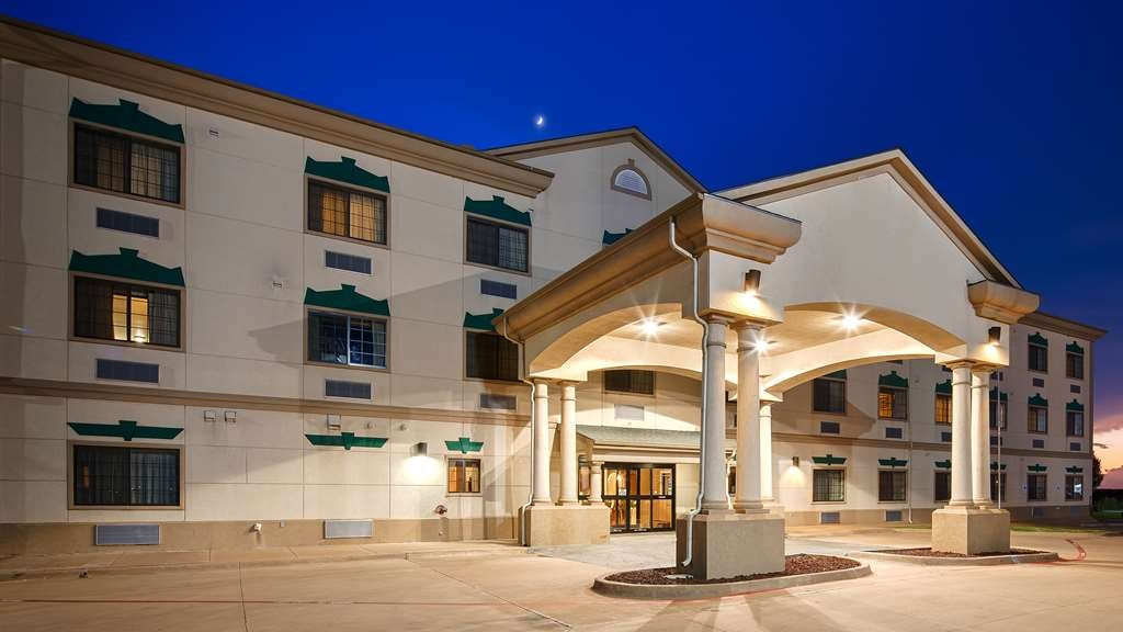 Best Western Henrietta Inn & Suites - Pull up and make yourself at home at the Best Western Henrietta Inn & Suites!