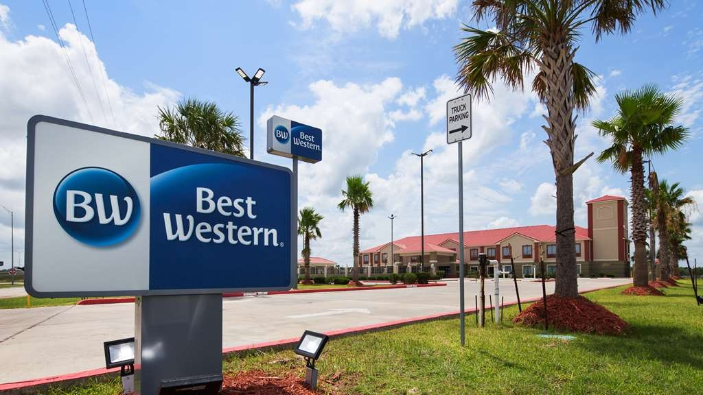 Best Western Lone Star Inn - Come visit us at the wonderful BEST WESTERN Lone Star Inn where everyone is welcome.